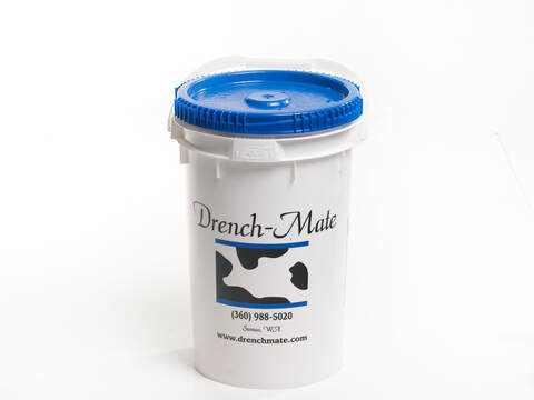Drench-Mate spare bucket with blue lid